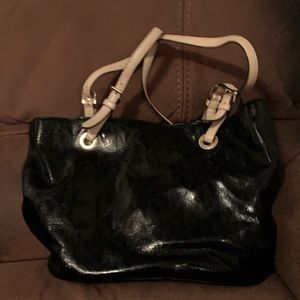Black Michael kors shoulder purse.